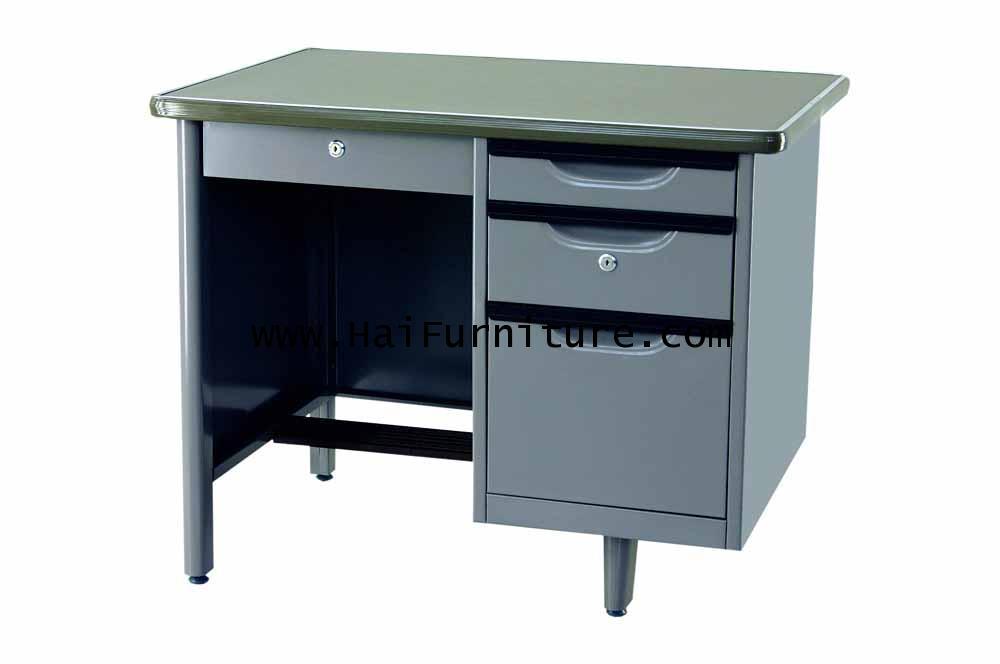 โต๊ะทำงานเหล็ก 3.5 ฟุต Grade B 107.5w*67d*75.3h cm