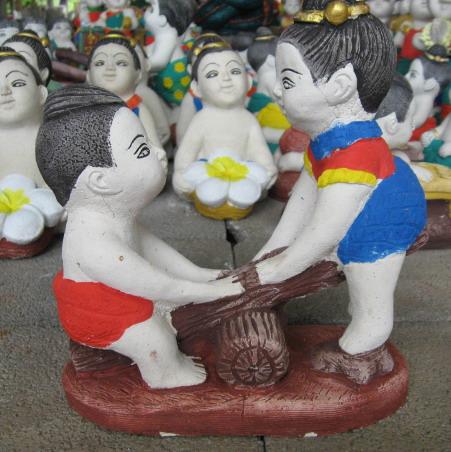 ตุ๊กตานั่งไม้กระดก