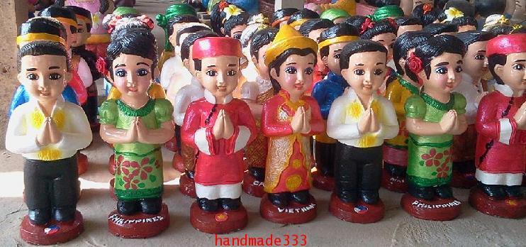 ตุ๊กตาอาเซี่ยน (ขายเป็นชุดๆละ 10 คู่/ 10 ชาติ )