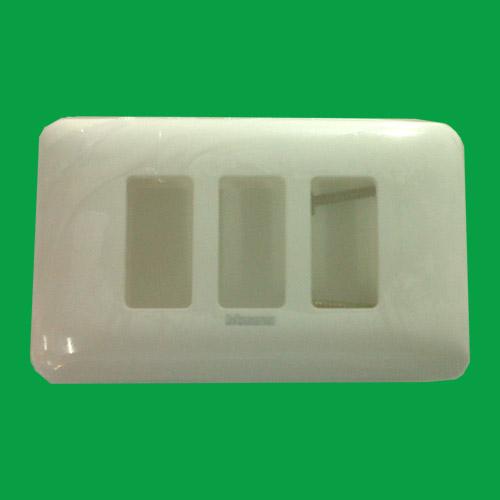 ฝา bticino 3 ช่อง สีขาว