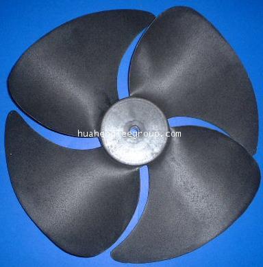 ใบพัดลมคอยล์ร้อน (คอนเดนซิ่ง) พลาสติก ขนาด 18 นิ้ว