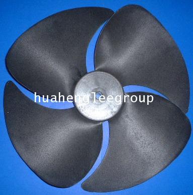 ใบพัดลมคอยล์ร้อน (คอนเดนซิ่ง) พลาสติก ขนาด 16นิ้ว (แกน 8mm)