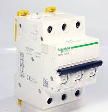 A00995 SCHNEIDER ICON C 2P 32A 400V