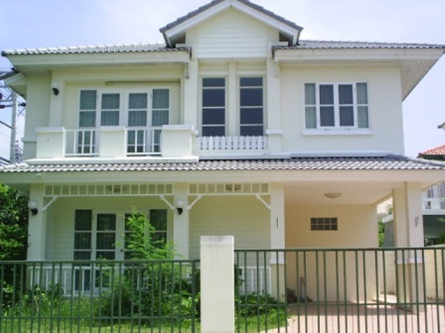 บ้านเดี่ยว 2 ชั้น หมู่บ้านชลลดา(บางบัวทอง) 66.80 ตารางวา หลังริม