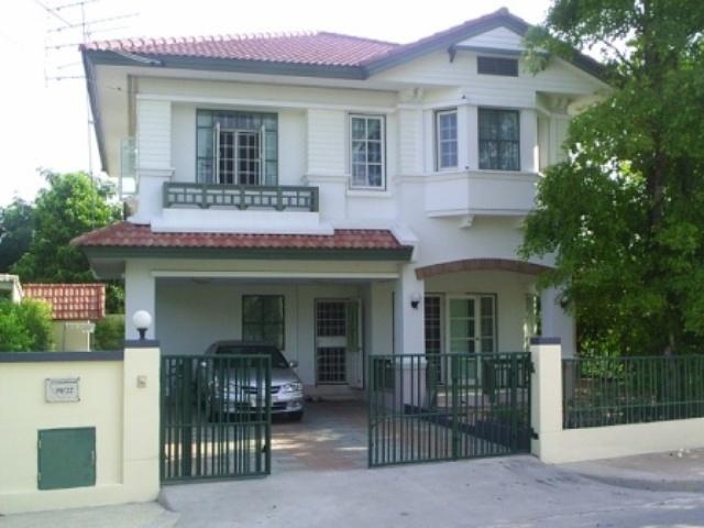 บ้านเดี่ยว 2 ชั้น หมู่บ้านชลลดา(เป็นบ้านตัวอย่างสวยมาก) 77.30 ตารางวา พร้อมอยู่