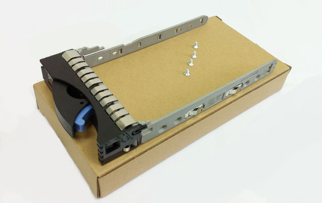 IBM 42R4131 SATA / SAS 3.5-inch hard drive bays rack server