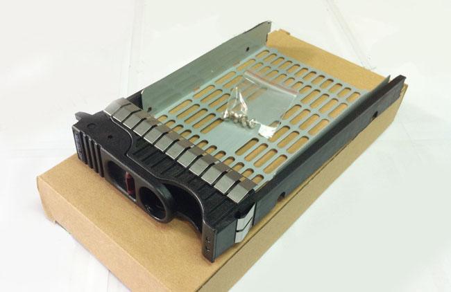 HP 373465-001 3.5 SCSI server hard disk bays for HP9000
