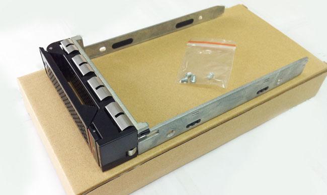 Lenovo 03X3835 3.5 SAS RD630 server hard drive bays