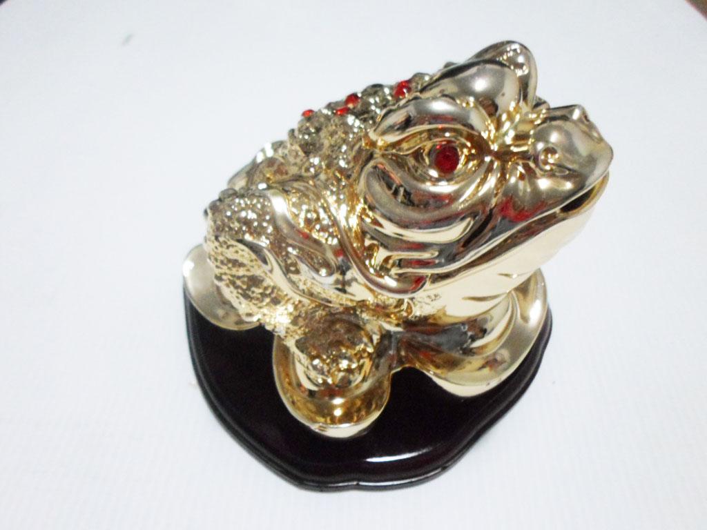 กบคาบเหรียญ,เซียมชู้ เนื้อเรซิน สีทอง บบก้อนทองฐานไม้ ขนาด 5 นิ้ว (700g) (1800384)