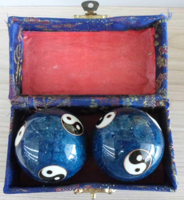 ลูกบอลหินหยินหยางสีน้ำเงิน
