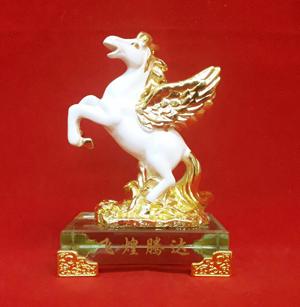 ม้า(ขาว)ฐานกระจก(มีปีก)5นิ้ว[399]1800294