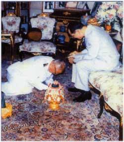 พระบูชา พระพุทธสิงหธรรมมงคล เนื้อโลหะมงคลปิดทอง ความสูง 12 นิ้ว ตรา ภ.ป.ร. โดยพุทธสมาคมแห่งประเทศไทย 5