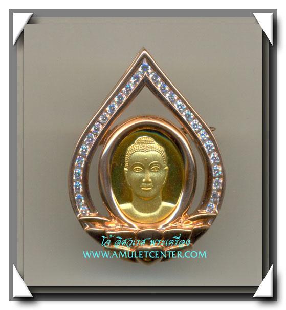 เหรียญพระพุทธครึ่งองค์ล้อมเพชร ขนาดกลาง หลังเข็มกลัด วัดพระธรรมกาย จ.ปทุมธานี สภาพสวยมาก