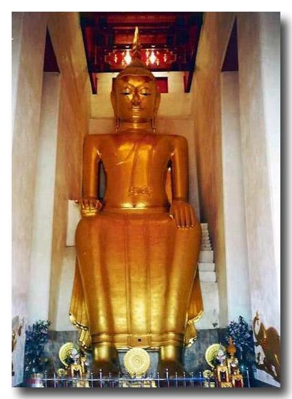 พระบูชารัตนะ ปางป่าเลไลย์ ลงรัก ปิดทอง ร่องชาด ใต้ฐานดินไทย 7