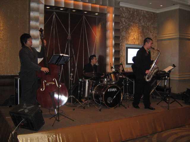 วงดนตรี BAND JAZZ  LIGHT@SOUND โรงแรมอินเตอคอนทิเนนตัล