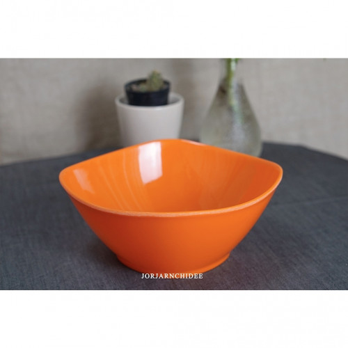 ชามสี่เหลี่ยมเมลามีนสีส้ม 7.5 นิ้ว