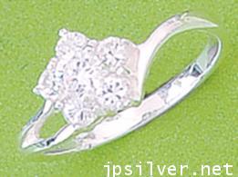 แหวนพลอยรูปดอกไม้
