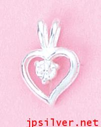 จี้รูปหัวใจขาว