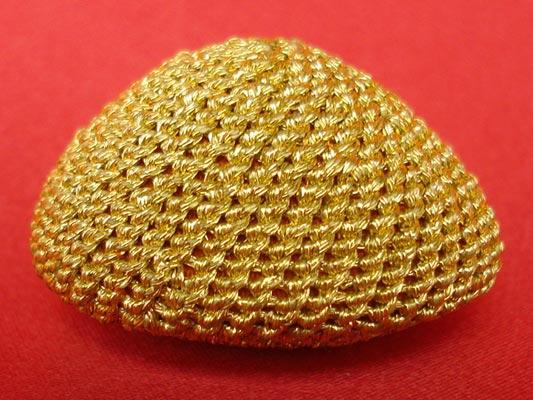 เบี้ยแก้ หลวงปู่เจือ วัดกลางบางแก้ว ถักดิ้นทอง แบบไม่มีหู บูชาจากวัดโดยตรง สุดงามครับ