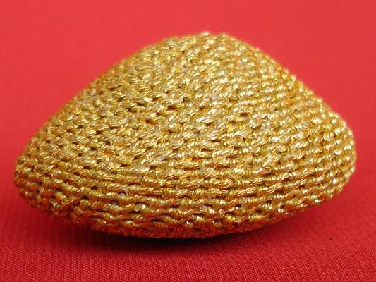 เบี้ยแก้ถักดิ้นทอง แบบไม่มีหู หลวงปู่เจือ วัดกลางบางแก้ว สุดงามครับ