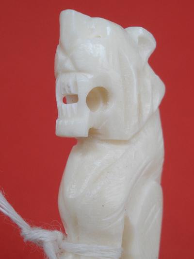 เขี้ยวเสือ หลวงปู่เปลื้อง วัดลาดยาว เกจิดังอายุกว่า 108 ปี สวยแกะจากกระดูกช้าง สำหรับปีนี้ต้องบูชา 4