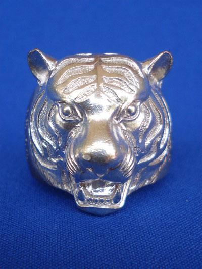 แหวนหัวเสือ เนื้อนวโลหะ หลวงพ่อฟู วัดบางสมัคร รุ่นแรก รุ่นอำนาจดีบารมีฟู ปี 2553 สุดสวย หายาก 1