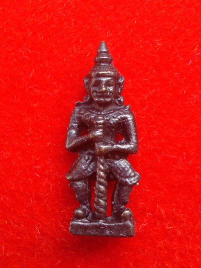 ท้าวเวสสุวรรณ(ท้าวเวสสุวัณ) เวส สะ พุ สะ หล่อโบราณ องค์เล็ก วัดสุทัศนฯ พิธีเดือนเพ็ญ ปี 2553