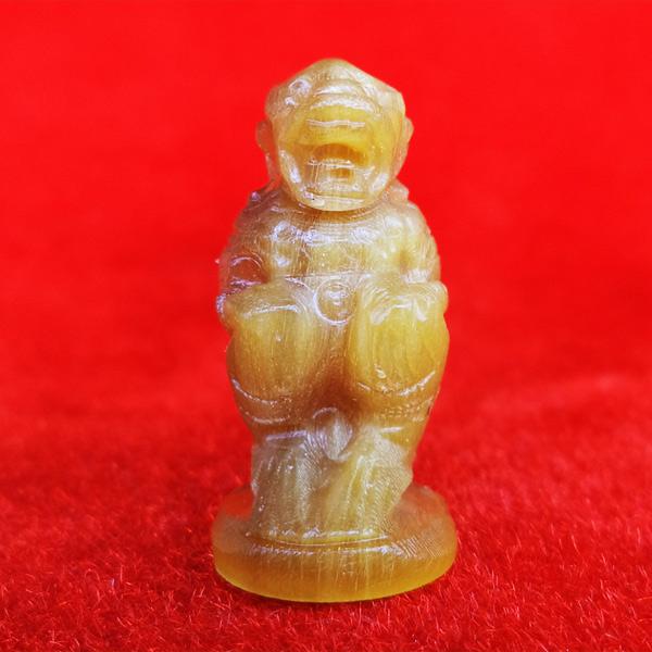 หนุมานแกะจากเขาควายเผือก สีน้ำผึ้ง หลวงพ่อสิน วัดละหารใหญ่ สวยมาก มีจาร สร้างน้อย หายากมาก