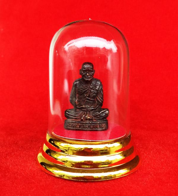 รูปเหมือนหลวงพ่อเงิน บางคลาน พระบูชา ตั้งหน้ารถ หน้าตัก 2.5 ซม. ปี 2535 วัดหัวดง พระสวยน่าบูชา