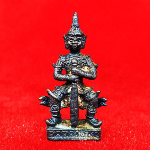 ท้าวเวสสุวรรณ(ท้าวเวสสุวัณ) เวส สะ พุ สะ หล่อโบราณ องค์ใหญ่ วัดสุทัศนฯ พิธีเดือนเพ็ญ ปี 2553