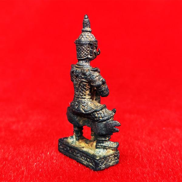 ท้าวเวสสุวรรณ(ท้าวเวสสุวัณ) เวส สะ พุ สะ หล่อโบราณ องค์ใหญ่ วัดสุทัศนฯ พิธีเดือนเพ็ญ ปี 2553 2