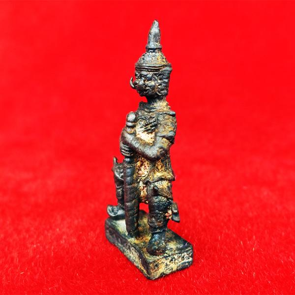 ท้าวเวสสุวรรณ(ท้าวเวสสุวัณ) เวส สะ พุ สะ หล่อโบราณ องค์ใหญ่ วัดสุทัศนฯ พิธีเดือนเพ็ญ ปี 2553 3