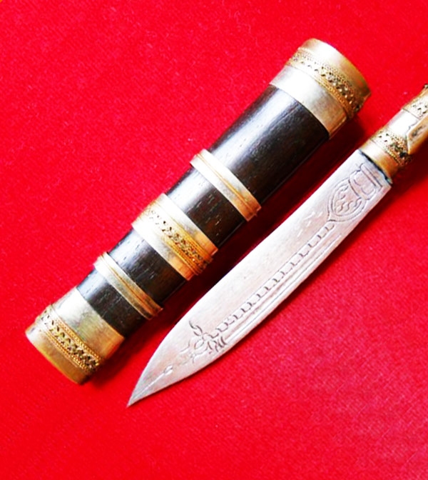 มีดหมอปากกา ขนาดใบมีด 2.5 นิ้ว ฝักไม้ หลวงพ่อตี๋ วัดหูช้าง ตำรับหลวงพ่อเดิม สร้างน้อย สุดยอดทุกด้าน 2