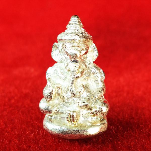 พระพิฆเนศ (เทพเจ้าแห่งความสำเร็จ) หล่อโบราณ เนื้อกะไหล่เงิน หลวงปู่ผาด วัดบ้านกรวด จ.บุรีรัมย์