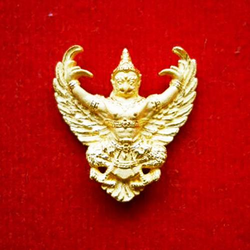 พญาครุฑ เนื้อทองคำ พิมพ์เล็ก (น้ำหนักประมาณ 4.0 กรัม) รุ่นมหาเศรษฐี หลวงพ่อวราห์ วัดโพธิ์ทอง ปี 2540