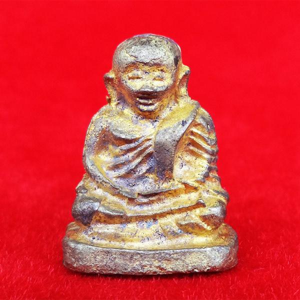 รูปหล่อหลวงพ่อเงิน พิมพ์นิยม พิมพ์ใหญ่ รุ่น เงิน-ทองไหลมา เนื้อทองผสม ออกวัดท้ายน้ำ ปี 2554