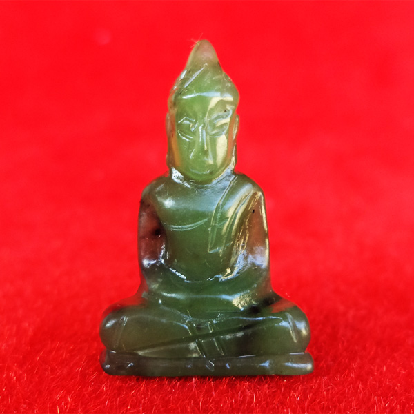 พระหินหยกแกะ พิมพ์พระพุทธ วัดธรรมมงคล สร้างโดยพระอาจารย์วิริยังค์ ปี 2536 สวยหายาก องค์ 15