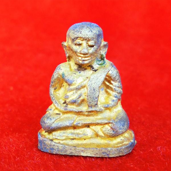 รูปหล่อหลวงพ่อเงิน พิมพ์นิยม รุ่น เงิน-ทองไหลมา เนื้อทองผสม พิมพ์เล็ก ออกวัดท้ายน้ำ ปี 2554 สวยหายาก
