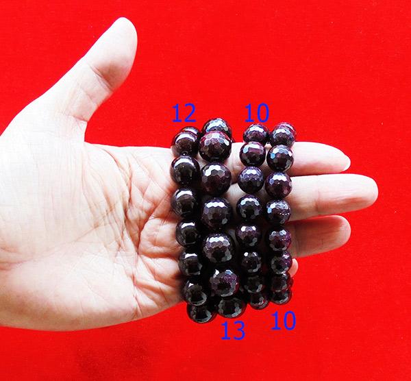 สร้อยข้อมือหินมงคลโกเมน พลอยกลมสีแดงแก่กล่ำ 13 มิล 14 เม็ด เสริมสิริมงคล มีโชคลาภ มั่งคั่งร่ำรวย 2