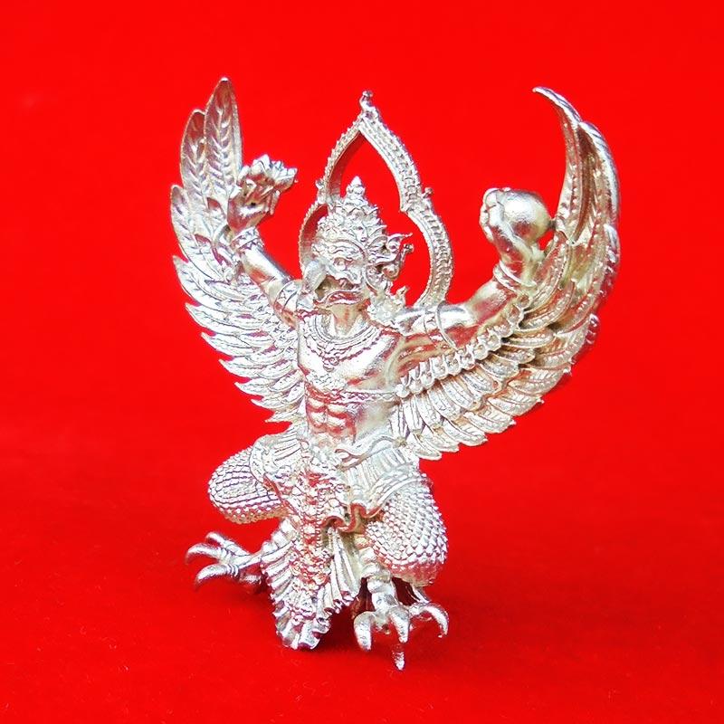 พญาครุฑพุทธบูชา รุ่นเศรษฐีมหาเศรษฐี เนื้อทองชนวนปีกเครื่องบิน แยกจากชุดกรรมการ เลขสวย ๓๗๐ 2