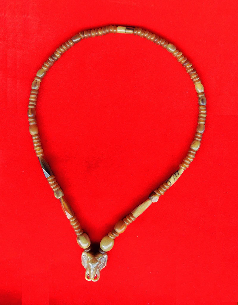 สร้อยเขาควายเผือก ตัวกลางหน้าช้าง งานแฮนเมด ของใหม่ ขนาดความยาว 24 นิ้ว สวมหัวได้ สวยคลาสสิค