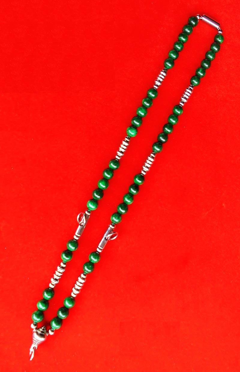 สร้อยหยกเขียว เม็ดหยกขนาด 8 มม.แขวนพระได้ 3 องค์ งานปราณึต ความยาวสร้อย 21 นิ้ว สวยมาก