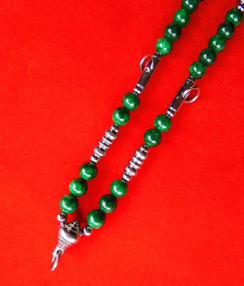 สร้อยหยกเขียว เม็ดหยกขนาด 8 มม.แขวนพระได้ 3 องค์ งานปราณึต ความยาวสร้อย 21 นิ้ว สวยมาก 2