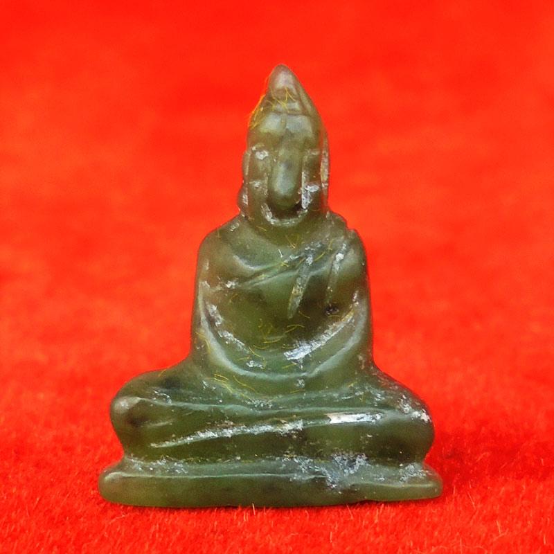 พระหินหยกแกะ พิมพ์พระพุทธ วัดธรรมมงคล สร้างโดยพระอาจารย์วิริยังค์ ปี 2536 สวยหายาก องค์ 21