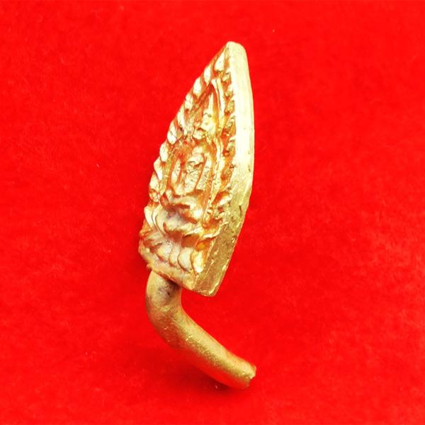 เหรียญเจ้าสัว 4 หล่อในพิธี เททอง หล่อนำฤกษ์ เนื้อชนวน ผสมมวลสารหลวงปู่บุญ ตัดจากช่อ 59 องค์ 3