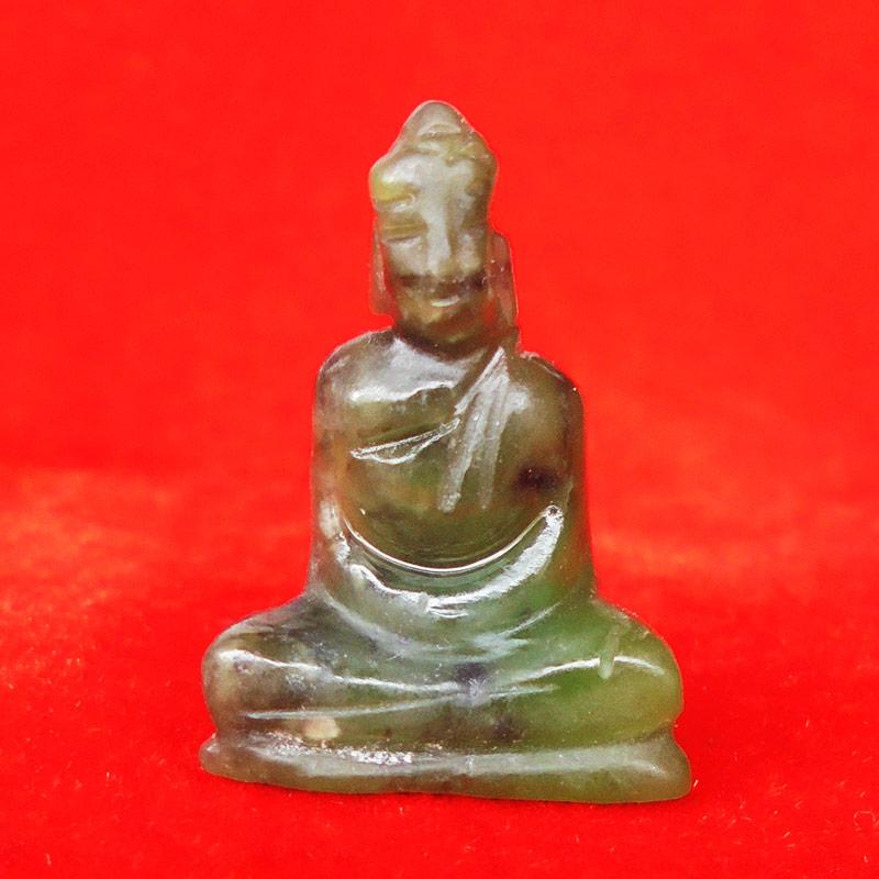 พระหินหยกแกะ พิมพ์พระพุทธ วัดธรรมมงคล สร้างโดยพระอาจารย์วิริยังค์ ปี 2536 สวยหายาก องค์ 24