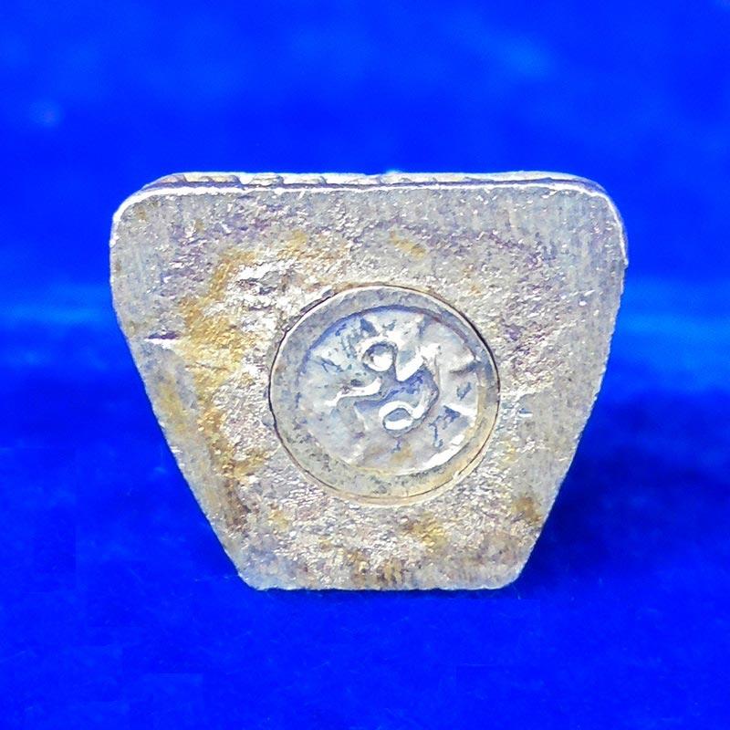 พระรูปหล่อหลวงพ่อทวด วัดช้างให้ เนื้อเงิน รุ่นเสาร์ 5 ขนาดเล็ก ปี 2539 เหมาะสำหรับท่านที่ชอบเล็กๆ 2