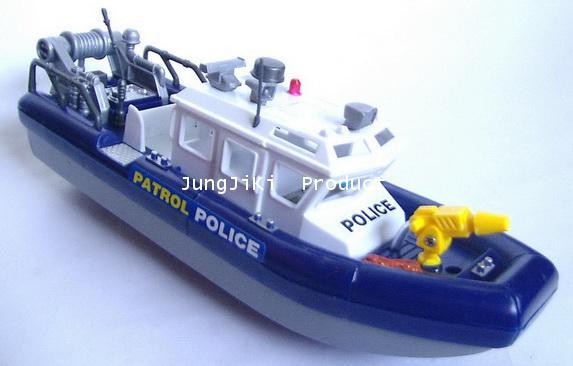 เรือลาดตระเวณตำรวจแล่นด้วยแบตเตอรี่