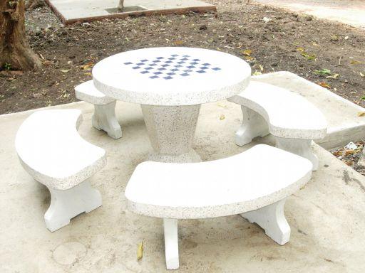 โต๊ะหินขัดทรงกลมลายหมากฮอต