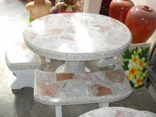 โต๊ะหินอ่อนทรงรูปไข่